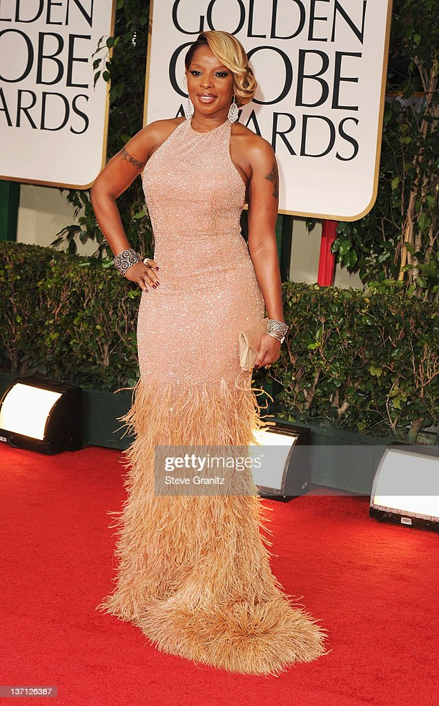 Singer Mary J. Blige arrives at the 69th Annual Golden Globe Awards held at the Beverly Hilton Hotel on January 15, 2012 in Beverly Hills, California.