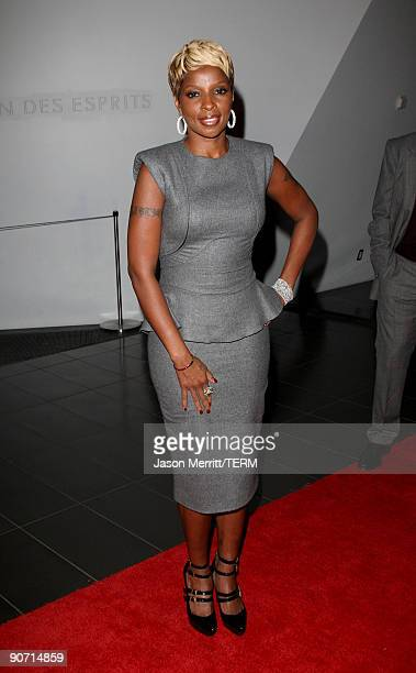 Singer Mary J Blige arrives at the 'Precious Based on the Novel Push by Sapphire' preparty during the 2009 Toronto International Film Festival held...