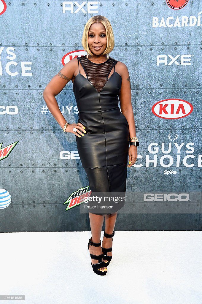 Singer Mary J. Blige attends Spike TV's Guys Choice 2015 at Sony Pictures Studios on June 6, 2015 in Culver City, California.