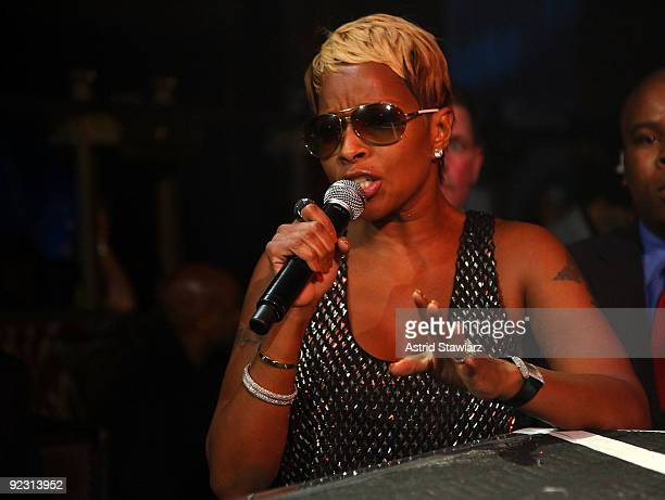 """Singer Mary J. Blige attends the 30th Birthday Bash """"Cold as Ice"""" at Cipriani 42nd Street on October 17, 2009 in New York City."""
