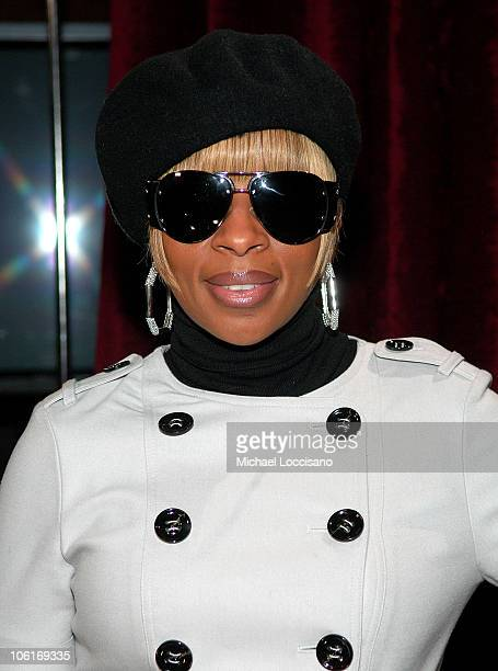 Singer Mary J Blige attends Tila Tequila's MTV New Year's Eve Masquerade 2008 at MTV Studios in New York City's Times Square on December 31 2007 in...