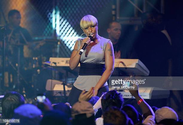 Singer Mary J Blige performs at a One Night Only show for AXE Music at Capitale on August 16 2010 in New York City