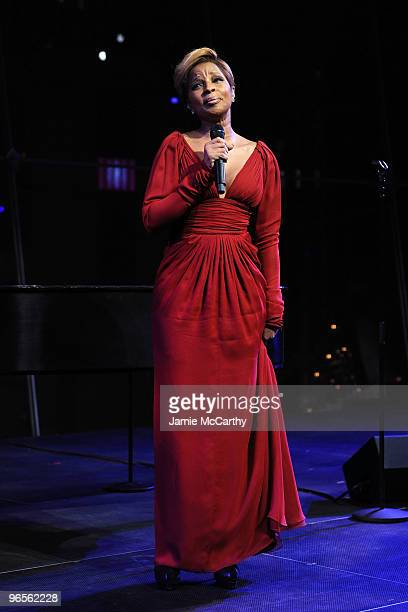 Singer Mary J Blige performs at the 7th Annual Red Dress Awards presented by Woman's Day at Jazz at Lincoln Center on February 10 2010 in New York...