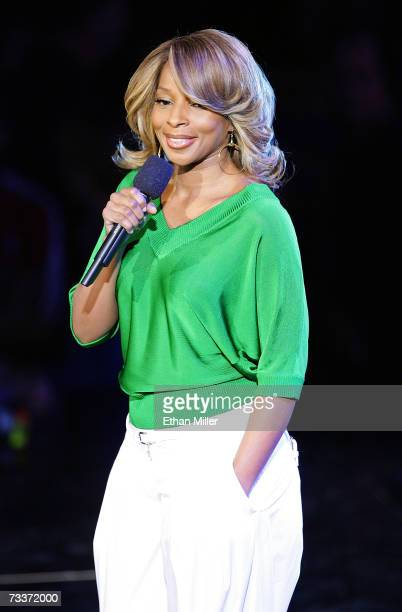 Singer Mary J. Blige performs during NBA All-Star Weekend at the Thomas & Mack Center February 17, 2007 in Las Vegas, Nevada. NOTE TO USER: User...