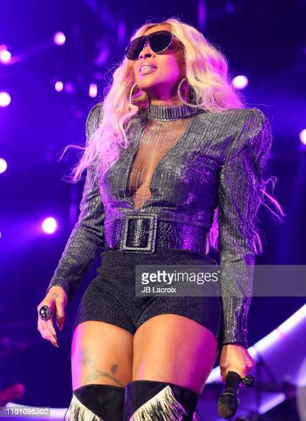 Singer Mary J. Blige performs on stage during the 7th Annual BET Experience At L.A. LIVE Presented By Coca-Cola at the Staples Center on June 20,...