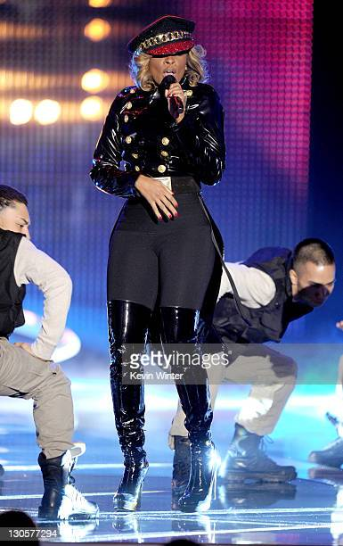 Singer Mary J Blige performs onstage during Nickelodeon's 2011 TeenNick HALO Awards held at the Hollywood Palladium on October 26 2011 in Hollywood...