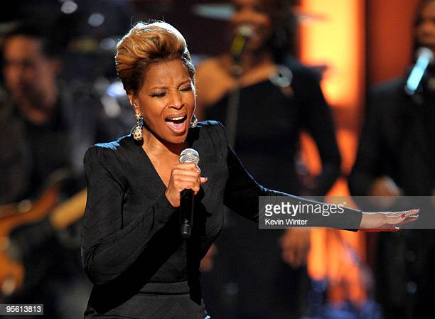 Singer Mary J Blige performs onstage during the People's Choice Awards 2010 held at Nokia Theatre LA Live on January 6 2010 in Los Angeles California