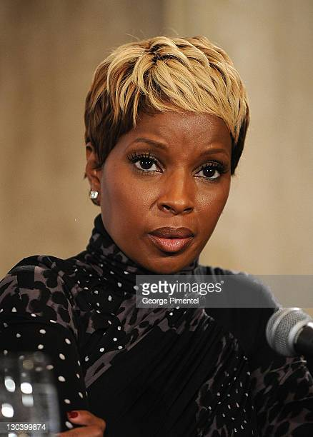 Singer Mary J Blige speaks onstage at the 'Precious Based On The Novel 'Push' By Sapphire' press conference held at the Four Seasons Hotel on...