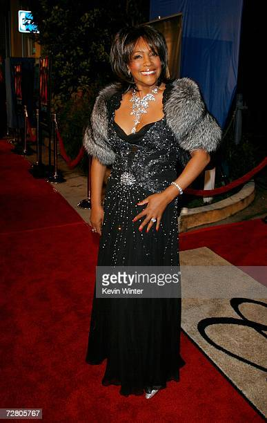 Singer Mary Wilson arrives at Paramount Pictures' Premiere of Dreamgirls held at the Wilshire Theatre on December 11 2006 in Beverly Hills California