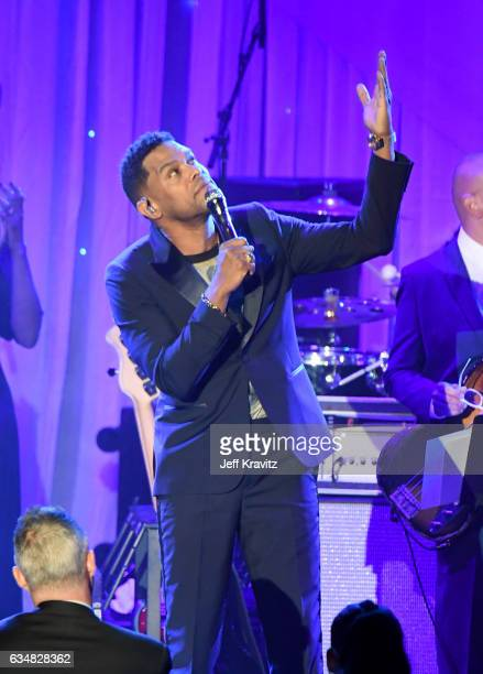 Singer Maxwell performs onstage at PreGRAMMY Gala and Salute to Industry Icons Honoring Debra Lee at The Beverly Hilton on February 11 2017 in Los...