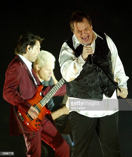 Singer Meat Loaf performs prior to the NRL Grand Final between the Sydney Roosters and the Penrith Panthers at Telstra Stadium October 5 2003 in...