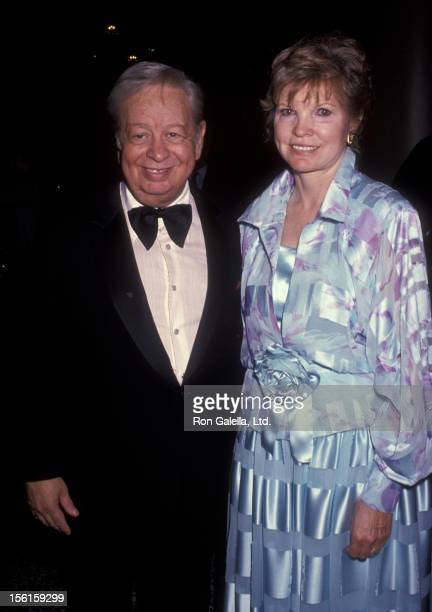 Singer Mel Torme and wife Ali Severson attend Ireland Fun Benefit Gala Honoring Maureen O'Hara on November 6 1991 at the Beverly Wilshire Hotel in...