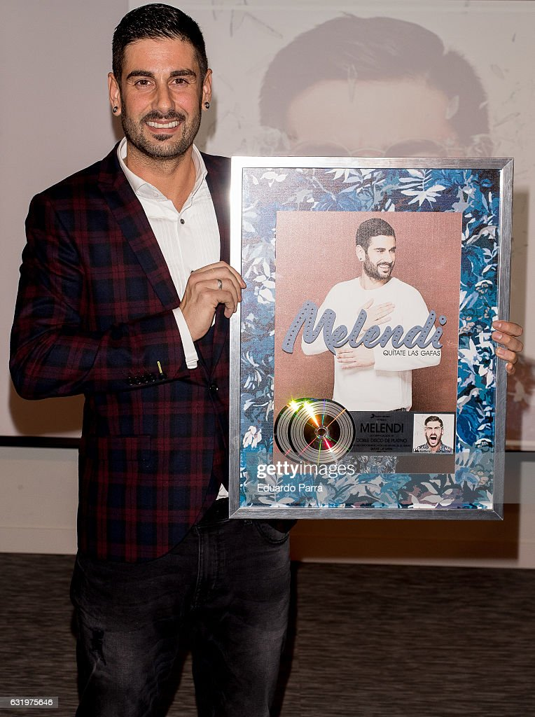 Melendi Receives Double Platinum