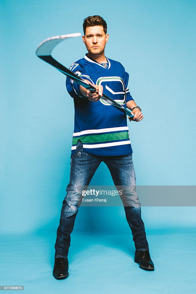 Michael Buble, Hockey News, November 15, 2015
