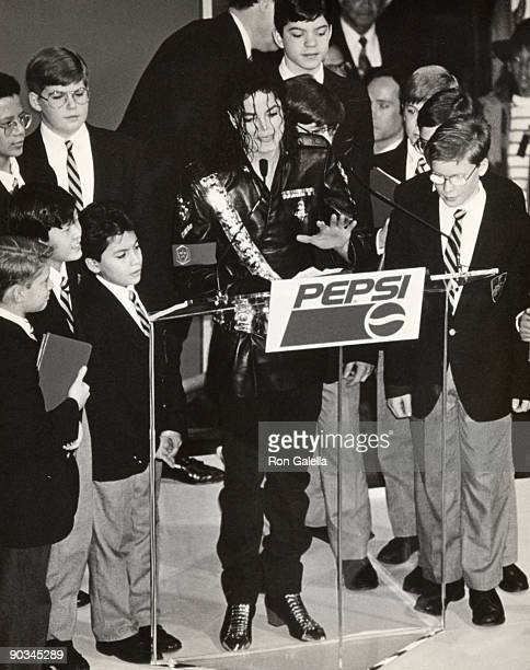 Singer Michael Jackson and children attend 'Dangerous' Tour Press Conference on February 14 1992 at Radio City Music Hall in New York City