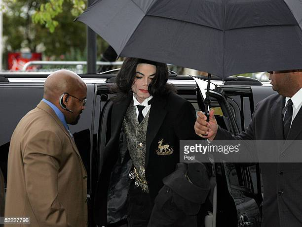 Singer Michael Jackson arrives at the Santa Barbara County Courthouse for continuation in the jury selection phase of his child molestation trial...