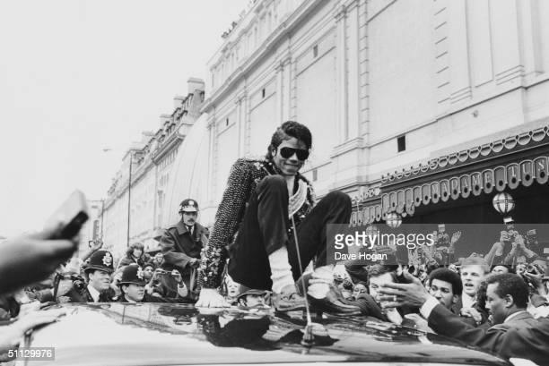 Singer Michael Jackson ouside Madame Tussauds in London