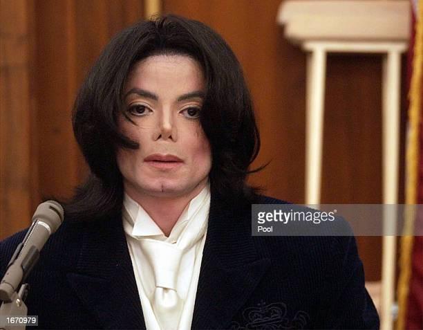 Singer Michael Jackson testifies during his civil trial in Santa Maria Superior Court on December 3 2002 in Santa Maria California The artist is...
