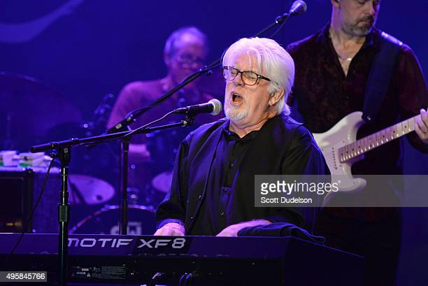Singer Michael McDonald performs onstage at the weSPARK Cancer Support Center Benefit Concert at The Canyon Club on November 4 2015 in Agoura Hills...
