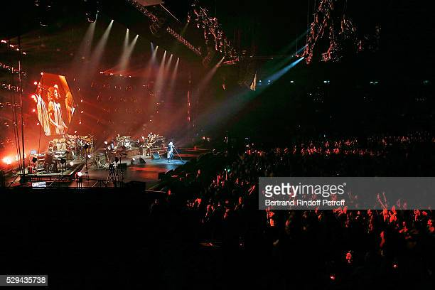 Singer Michel Polnareff performs during Michel Polnareff New Tour in France at AccorHotels Arena on May 08 2016 in Paris