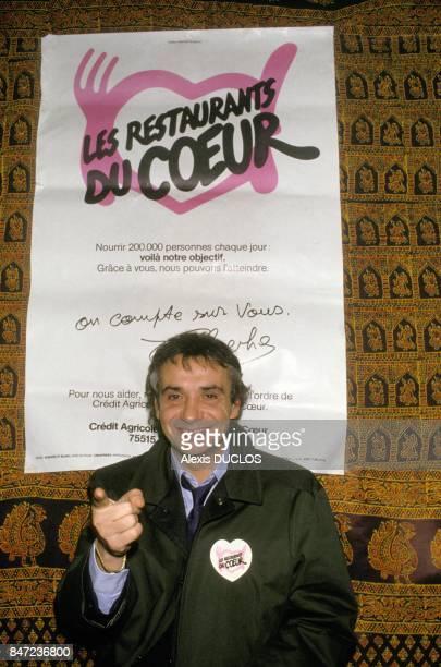 Singer Michel Sardou at the Restaurants du Coeur on December 10 1987 in France France