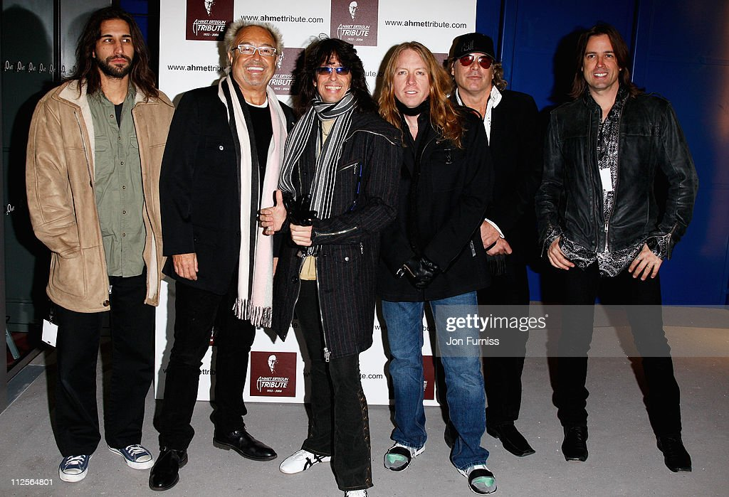 Singer Mick Jones (2nd left) and his band Foreigner attend the Led Zeppelin Tribute To Ahmet Ertegun concert, held at the O2 Arena on December 10, 2007 in London, England.
