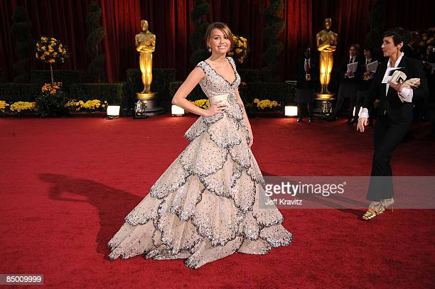 Singer Miley Cyrus arrives at the 81st Annual Academy Awards held at The Kodak Theatre on February 22 2009 in Hollywood California