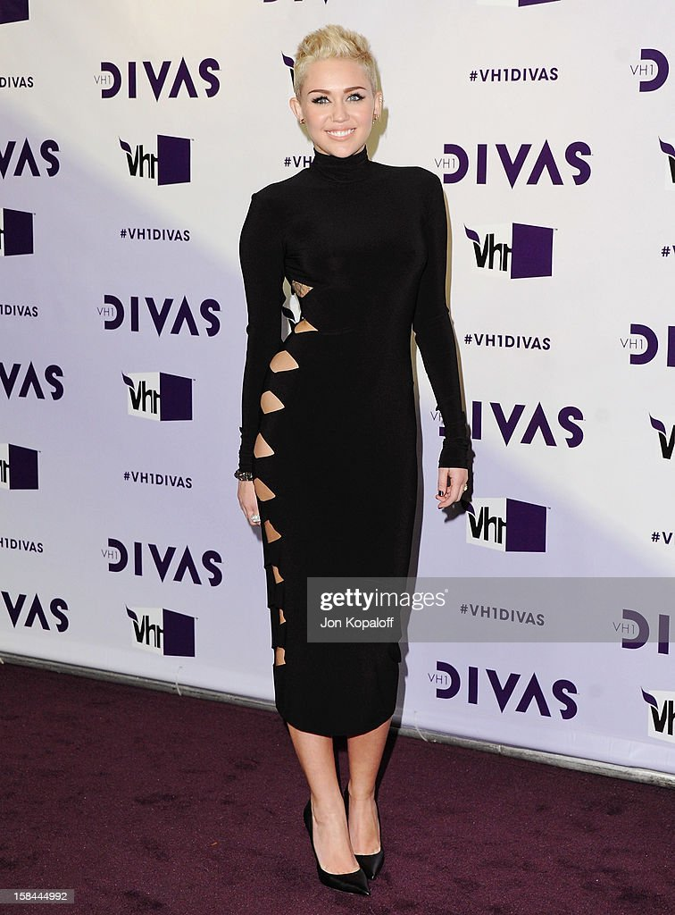 Singer Miley Cyrus arrives at the 'VH1 Divas' 2012 at The Shrine Auditorium on December 16, 2012 in Los Angeles, California.