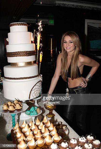 Brilliant 60 Top Miley Cyrus 18Th Birthday Party Fotos En Beelden Getty Funny Birthday Cards Online Alyptdamsfinfo