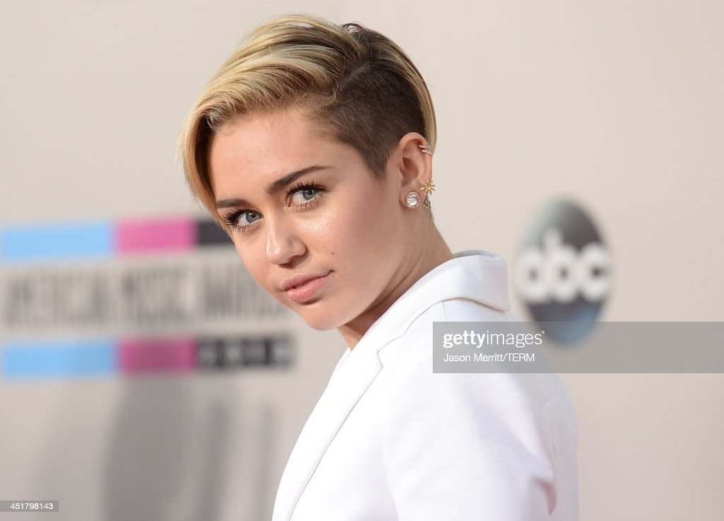 Singer Miley Cyrus attends the 2013 American Music Awards at Nokia Theatre L.A. Live on November 24, 2013 in Los Angeles, California.