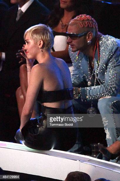 Singer Miley Cyrus wins Video of the Year for 'Wrecking Ball' at the 2014 MTV Video Music Awards held at The Forum on August 24 2014 in Inglewood...