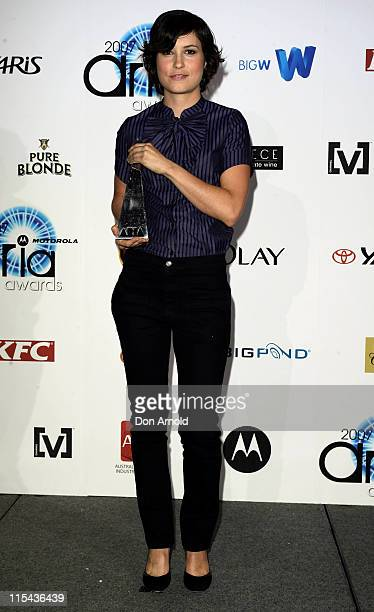 Singer Missy Higgins accepts the award for Best Female Artist at the 2007 ARIA Awards at Acer Arena on October 28 2007 in Sydney Australia The 21st...