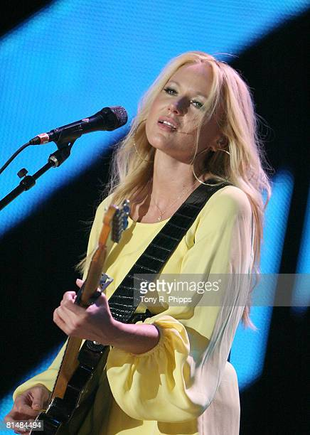 Singer, musician Jewel performs onstage during the VAULT Concert Stages during the 2008 CMA Music Festival on June 5, 2008 at LP Field in Nashville,...