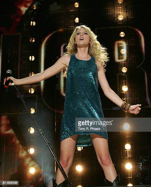 Singer, musician Taylor Swift performs onstage during the VAULT Concert Stages during the 2008 CMA Music Festival on June 5, 2008 at LP Field in...