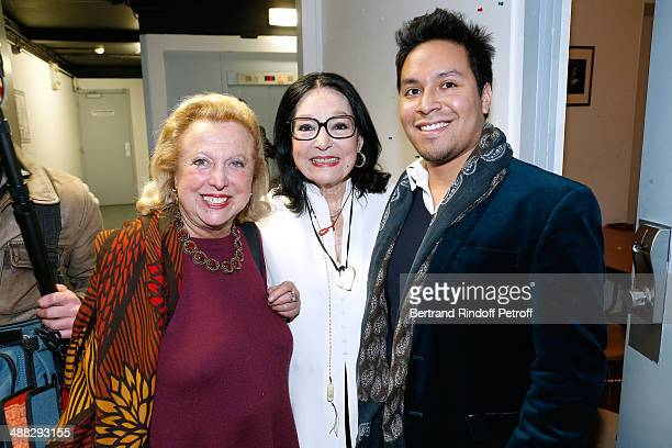 Singer Nana Mouskouri standing between Carole Weisweiller and carole's son Arthur pose after Nana Mouskouri perfomed on her Happy Birthday Tour Held...