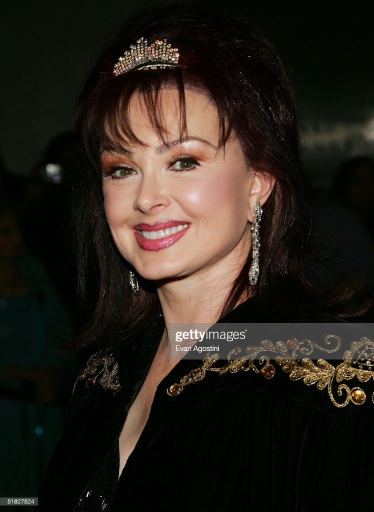 Singer Naomi Judd arrives at the 27th Annual Kennedy Center Honors Gala at The Kennedy Center for the Performing Arts December 5, 2004 in Washington, DC.