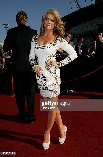 Singer Natalie Bassingthwaighte on the red carpet at the 2009 ARIA Awards at Acer Arena, Sydney Olympic Park on November 26, 2009 in Sydney,...