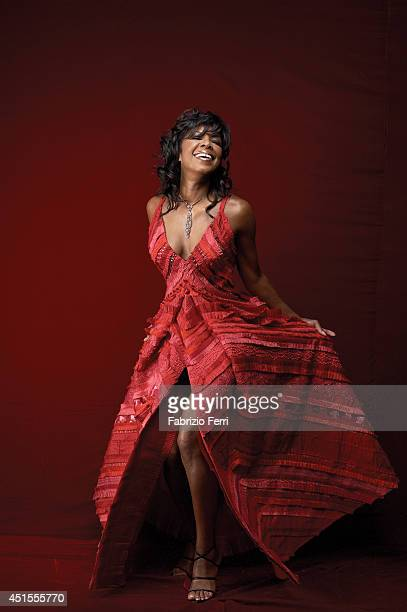 Singer Natalie Cole is photographed in October 2002 in New York City