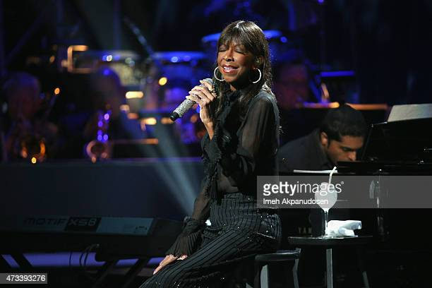 Singer Natalie Cole performs onstage during the SeriousFun Children's Network 2015 Los Angeles Gala An Evening Of SeriousFun celebrating the legacy...