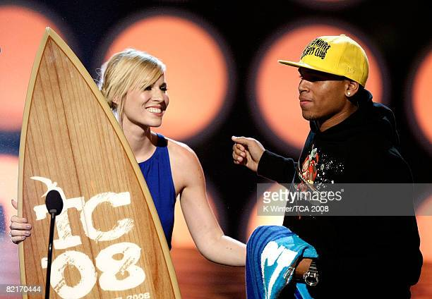 Singer Natasha Beddingfield presents singer Chris Brown his Choice RB Artist award onstage during the 2008 Teen Choice Awards at Gibson Amphitheater...