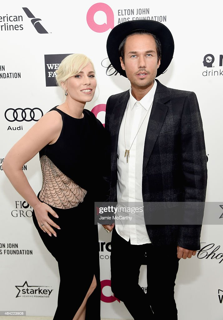 Singer Natasha Bedingfield (L) and guest attend the 23rd Annual Elton John AIDS Foundation Academy Awards Viewing Party on February 22, 2015 in Los Angeles, California.