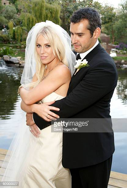 Singer Natasha Bedingfield and Matt Robinson pose during their the wedding ceremony held at Church Estate Vinyards on March 21 2009 in Malibu...