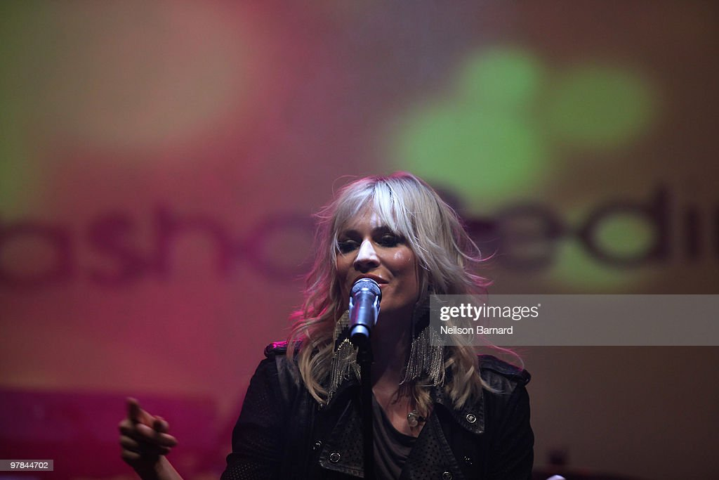 Singer Natasha Bedingfield performs at the ''Experience The Benefits Of Being Blonde'' at the Highline Ballroom on March 18, 2010 in New York City.