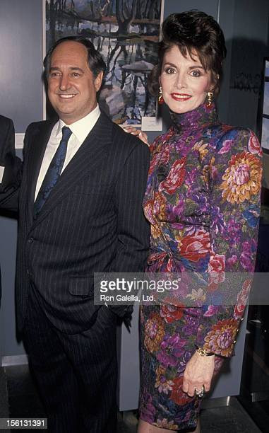 Singer Neil Sedaka and wife Leba Sedaka attending 'Give Awards' on November 6 1990 at the Hoya Crystal Gallery in New York City New York