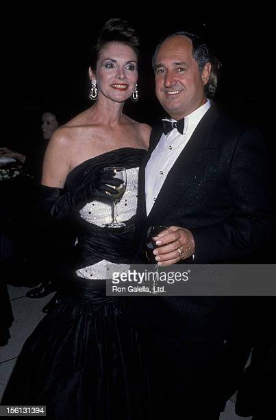 Singer Neil Sedaka and wife Leba Sedaka attending 'Philharmonic Gala' on September 20 1989 at Avery Fisher Hall in New York City New York
