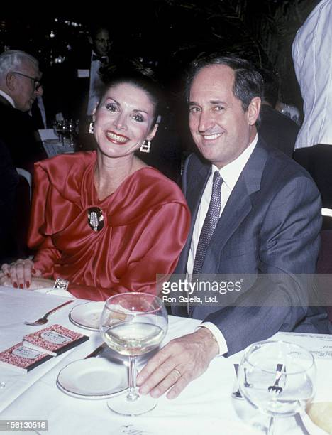 Singer Neil Sedaka and wife Leba Strassberg attending 'March of Dimes Benefit Tribute to Sam Aaron' on November 19 1985 at Tavern on the Green in New...