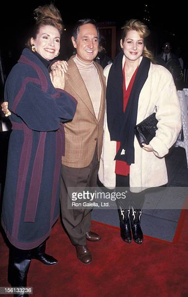 Singer Neil Sedaka wife Leba Strassberg and daughter Dara Sedaka attending the premiere of 'Carlito's Way' on November 7 1993 at the Ziegfeld Theater...