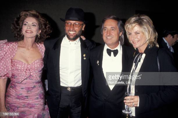 Singer Neil Sedaka wife Leba Strassberg Maurice Gibb and wife attending 25th Annual Songwriters Hall of Fame Awards Dinner on June 1 1994 at the...