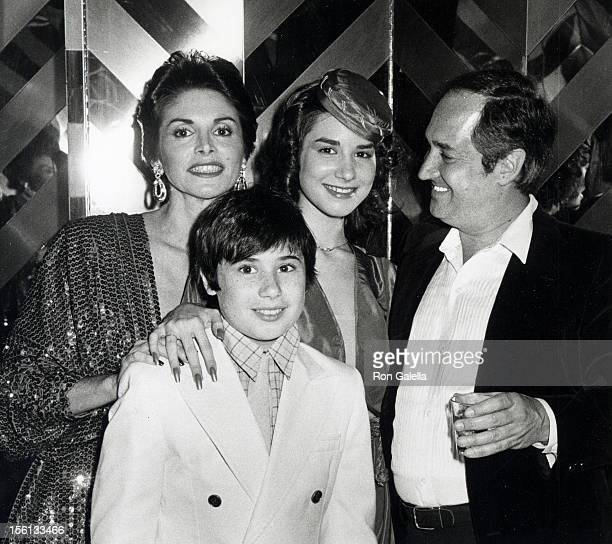 Singer Neil Sedaka wife Leba Strassberg son Marc Sedaka and daughter Dara Sedaka attending 'Sweet 16 Party for Dara Sedaka' on June 10 1979 at New...