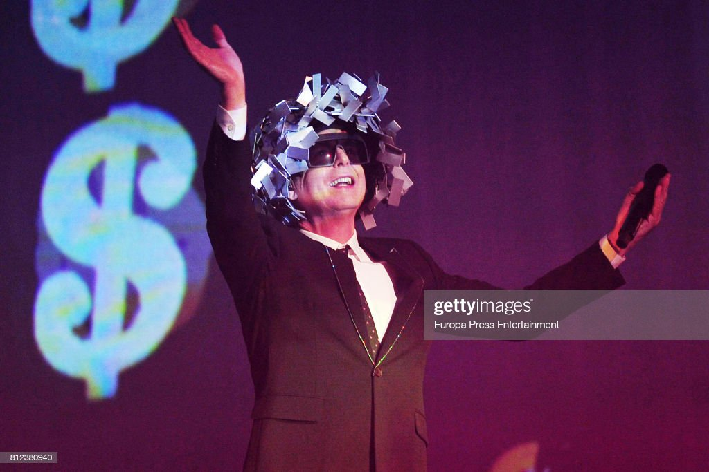 Pet Shop Boys Perform In Concert In Madrid : News Photo